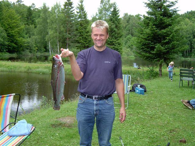 kvarnstensbockarna.se/image/bilder/2003/Fiske Månstorp 2003-07-05/030705 Fiske Kvb 05.JPG