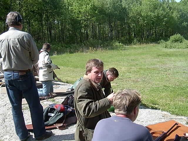 kvarnstensbockarna.se/image/bilder/2003/Korpskytte 2003-05-29/030529 korpskytte 10.JPG