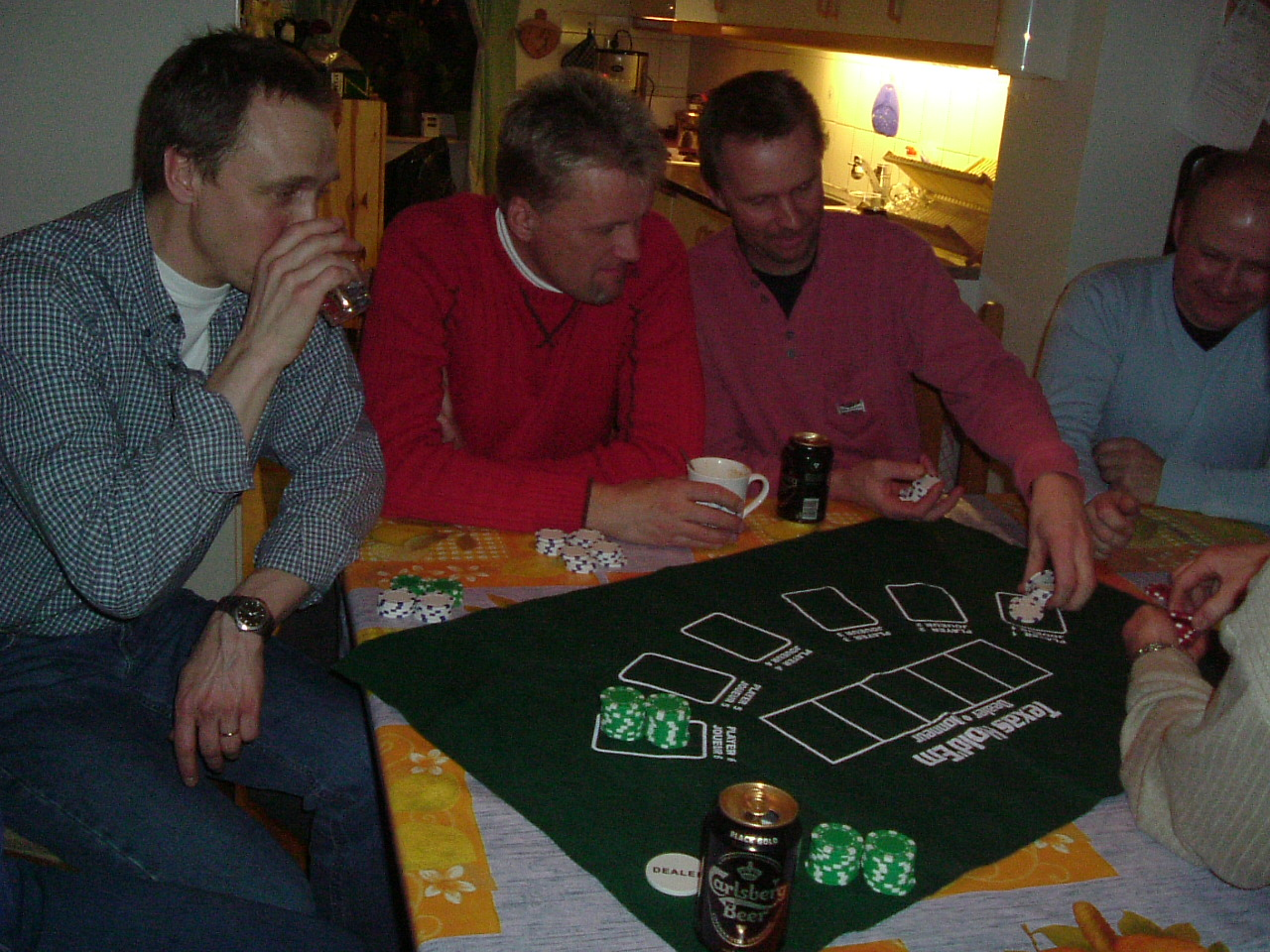 kvarnstensbockarna.se/image/bilder/2003/Träff hos Uffe 2003-03-18/Bild 02. Kvällens spel.jpg