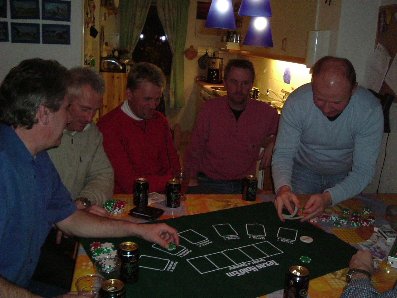 kvarnstensbockarna.se/image/bilder/2003/Träff hos Uffe 2003-03-18/Bild 04. Nya giv.jpg