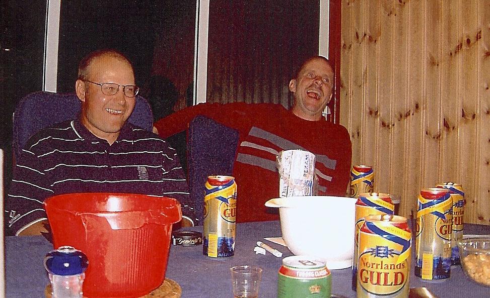 kvarnstensbockarna.se/image/bilder/2004/Möte hos Totte C 2004-05-28/Bild 02. Här var det livat, här var det glatt...jpg