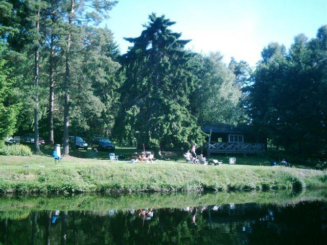 kvarnstensbockarna.se/image/bilder/2005/Fiske Månstorp 2005-06-26/Bild 05. Månstorp 2005.jpg