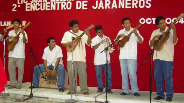 talks/son-jarocho/conjunto.jpeg